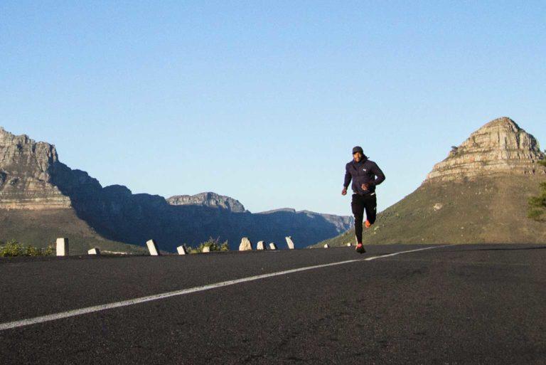 Practica running con seguridad en asfalto