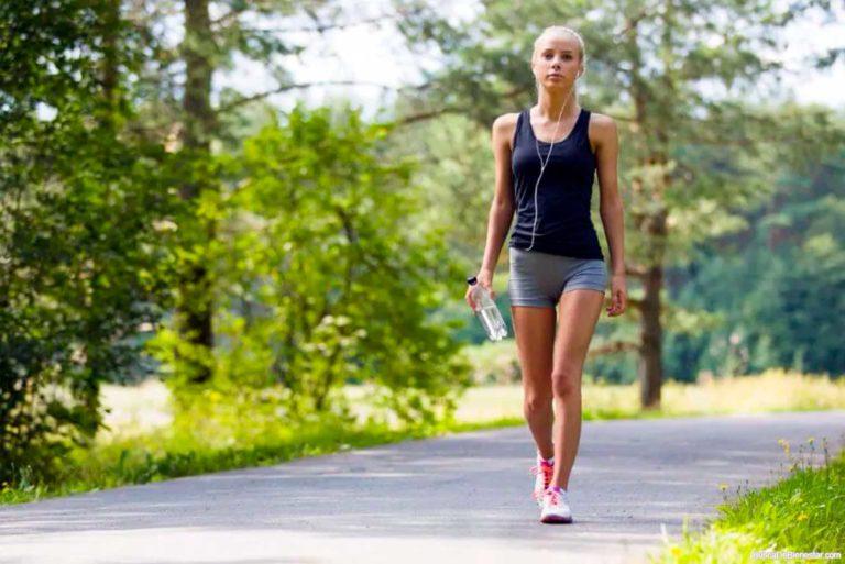 Bajar de peso caminando y sus beneficios para la salud